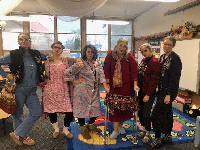 K/1 teams bringing the 100th day spirit to Wallace!